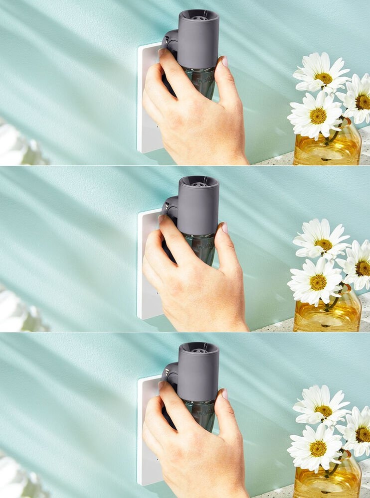 Gray Adjustable Wallflowers Scent Control™ Plug Image 4